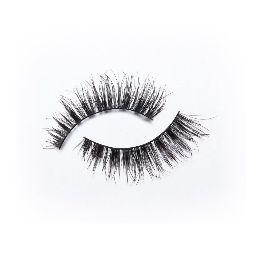 Eylure X Chloe Morello – Capri: https://cpm-api.iamdev.co.uk/storage/products/342/lash image.jpeg